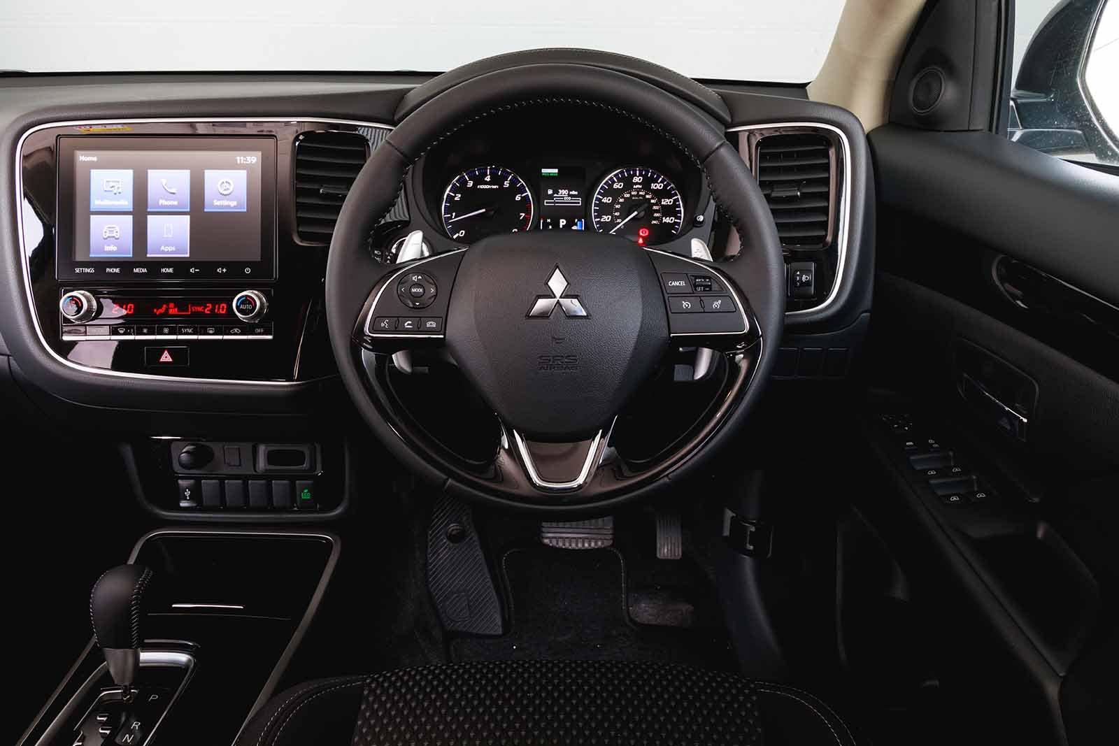 Mitsubishi Outlander 2020 RHD dashboard