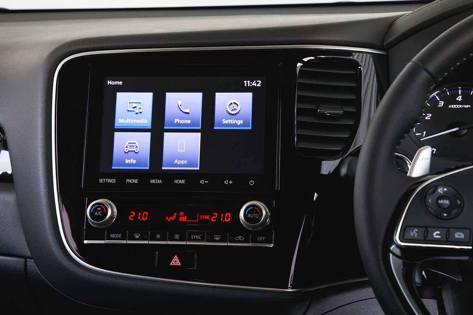 Mitsubishi Outlander 2020 RHD infotainment