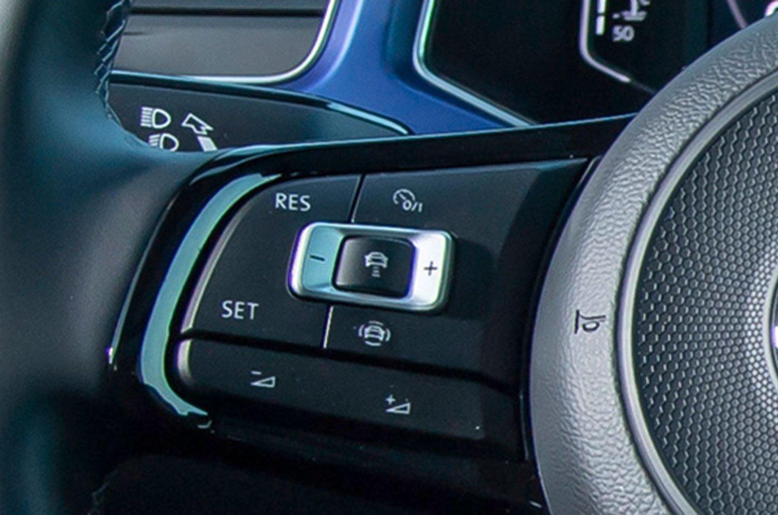 Volkswagen T-Roc R adaptive cruise control