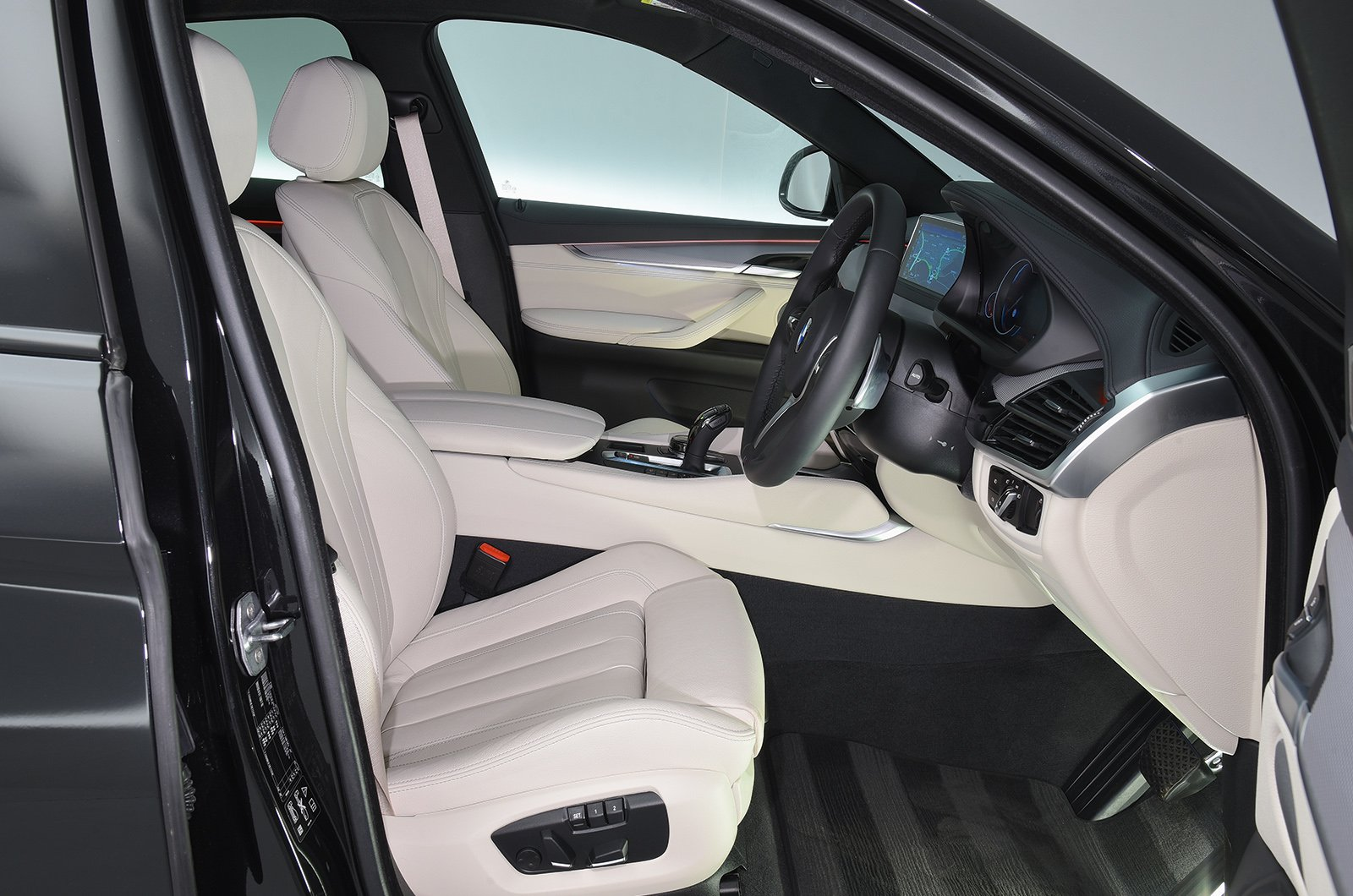 BMW X6 front seat