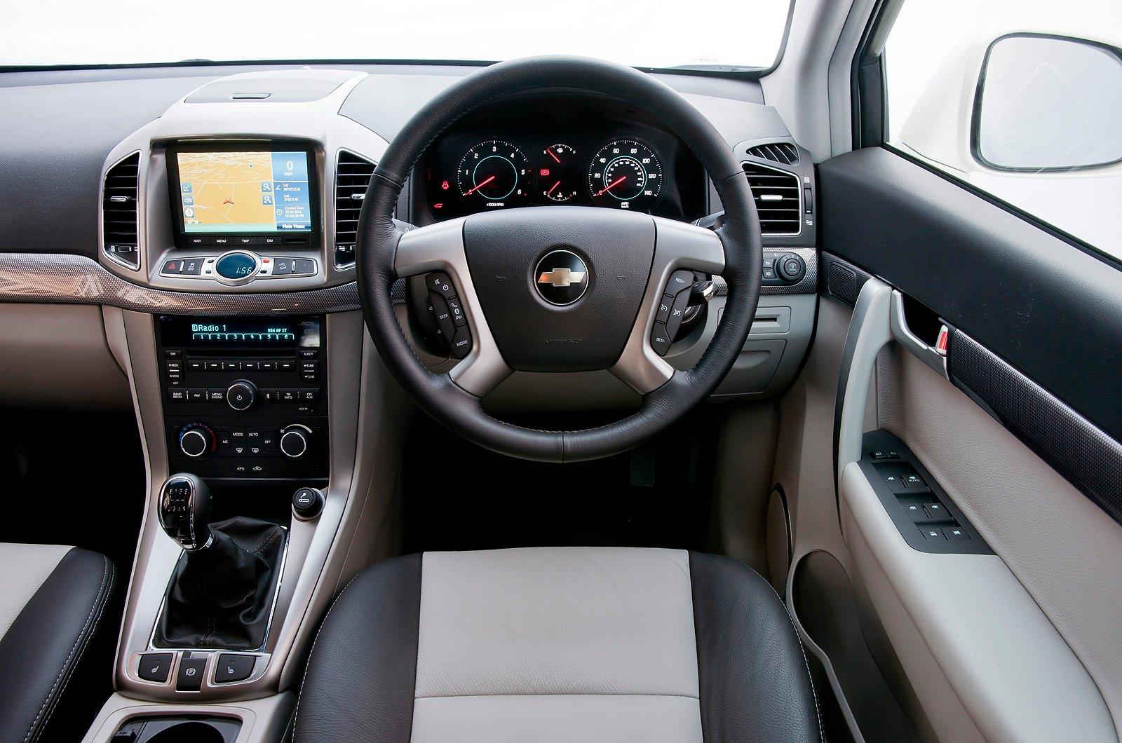 Chevrolet Captiva - interior