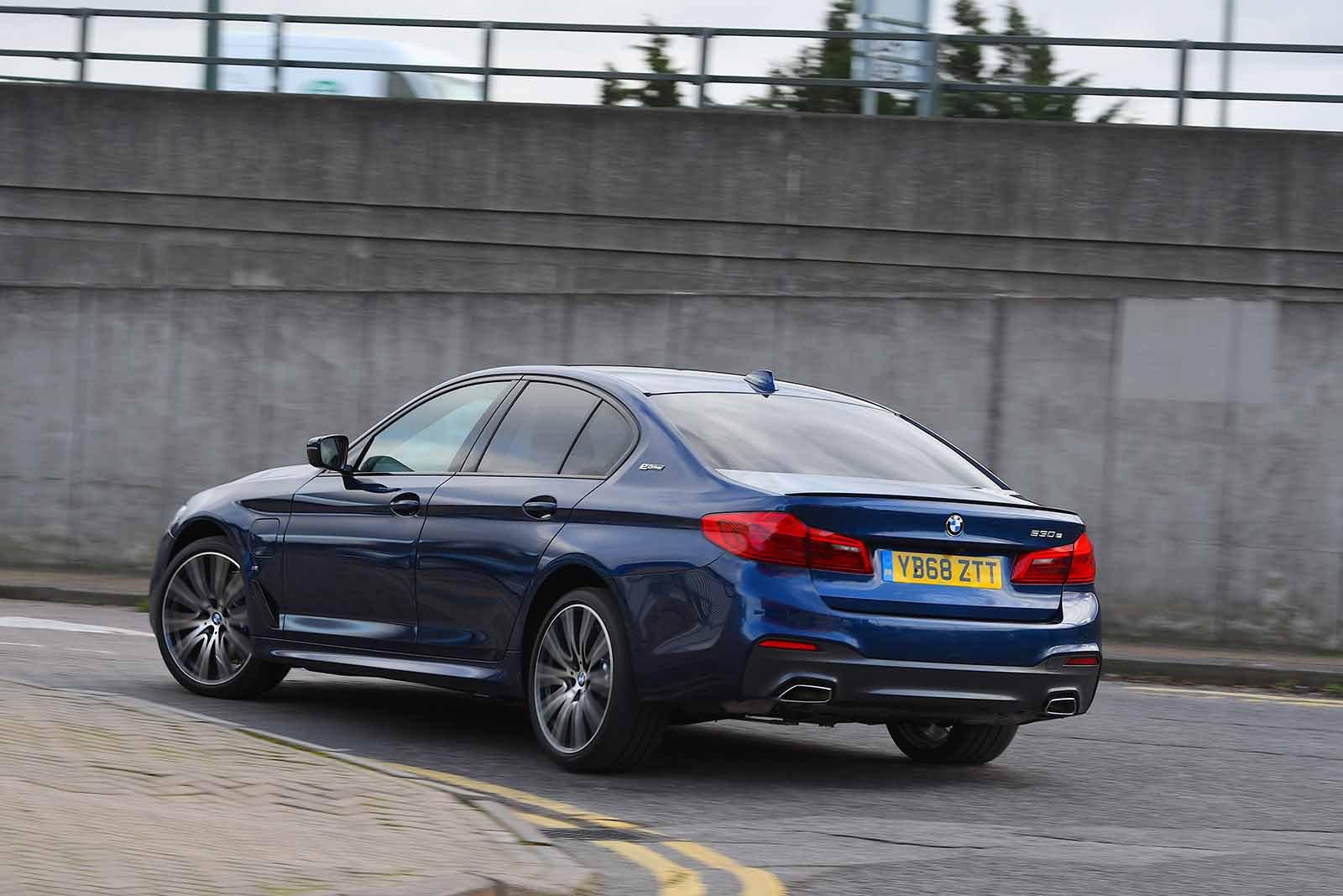 BMW 5 Series Saloon 2019 rear left tracking RHD