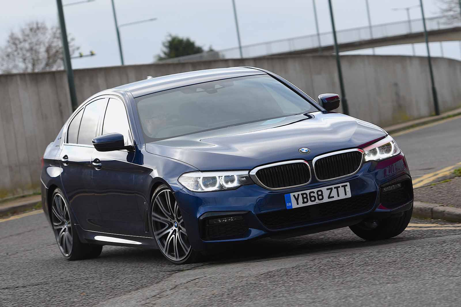 BMW 5 Series Saloon 2019 front right tracking RHD