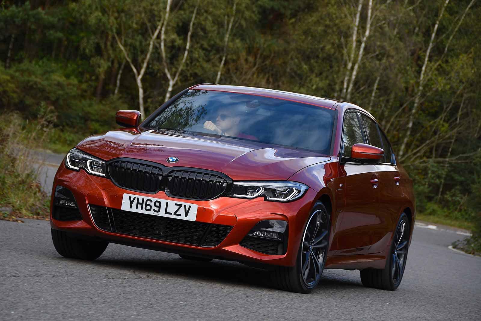 BMW 3 Series Saloon 2019 front tracking shot RHD