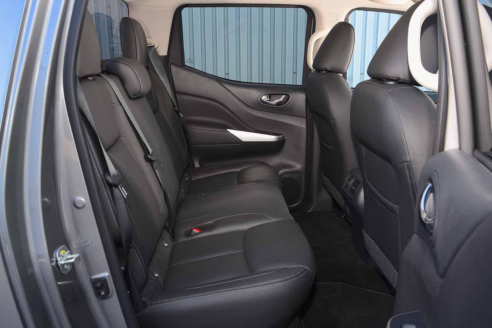Nissan Navara 2021 RHD rear seats