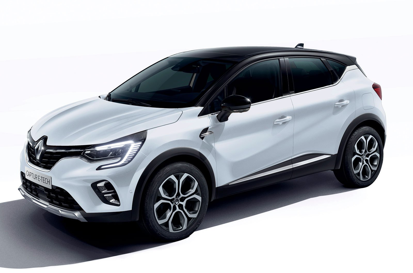 Renault Captur E-tech front