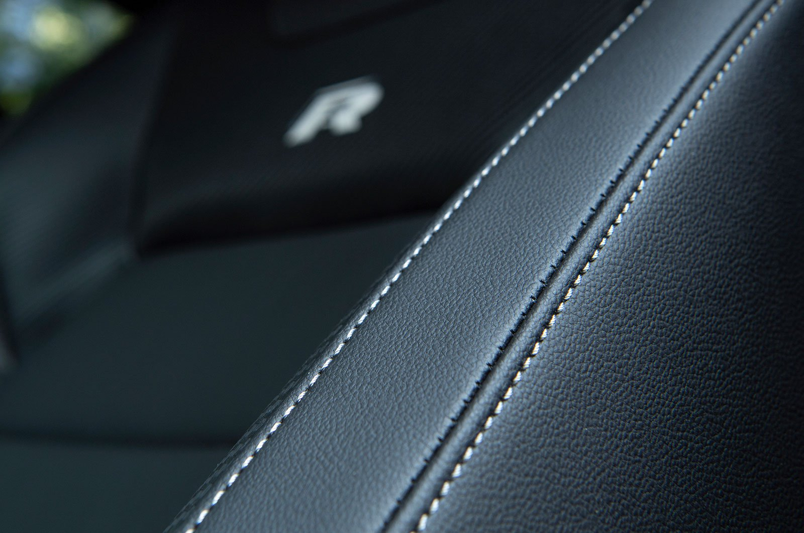 Volkswagen T-Roc R leather interior