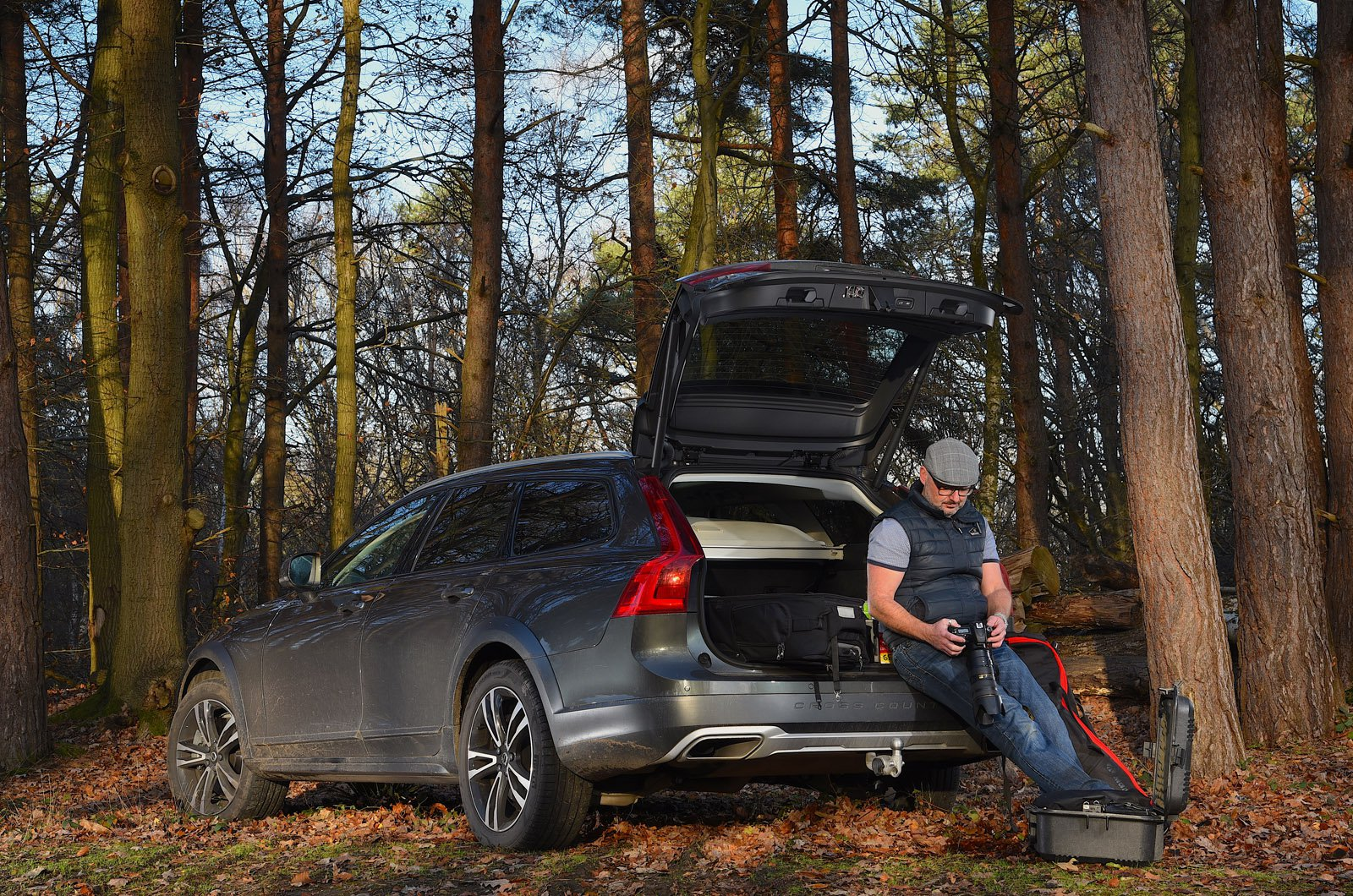 LT Volvo V90 Cross Country in the woods