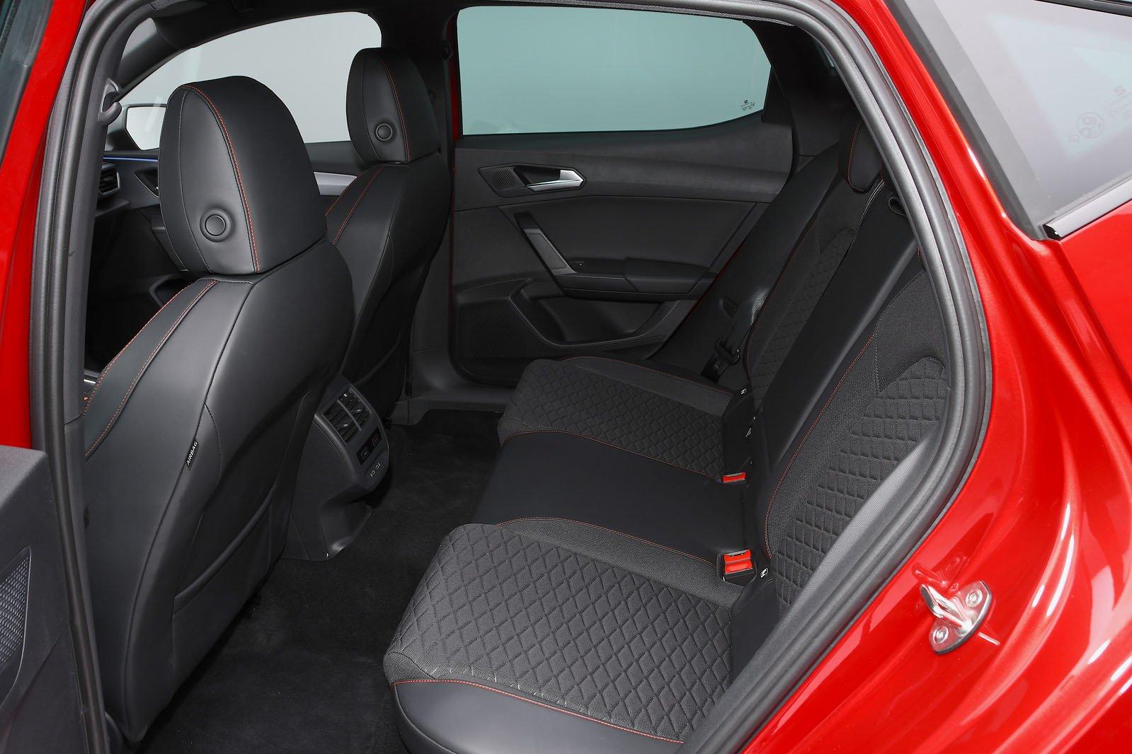 2020 Seat Leon rear seats