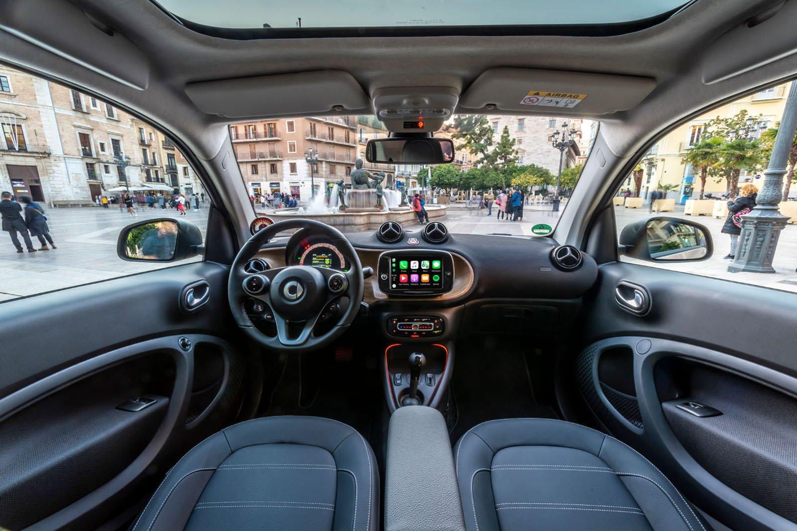 Smart ForTwo EQ 2020 dashboard LHD