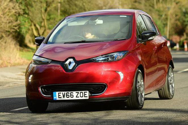 Renault Zoe (2013 on) front three quarters