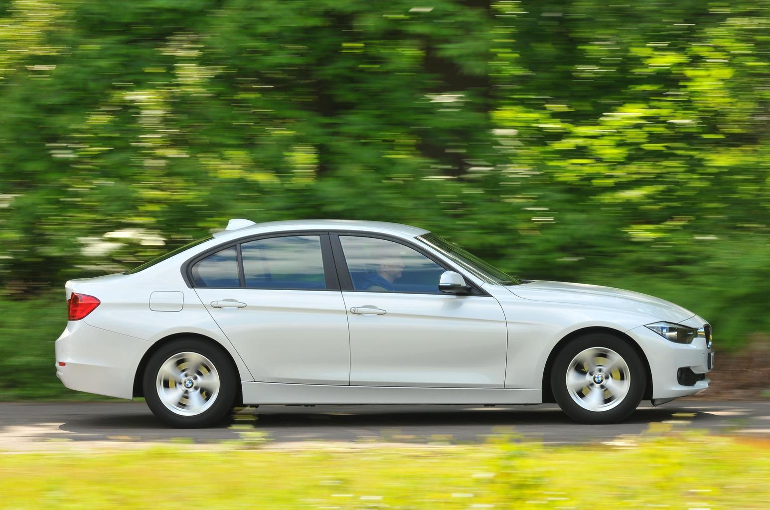 BMW 3 Series petrol side profile