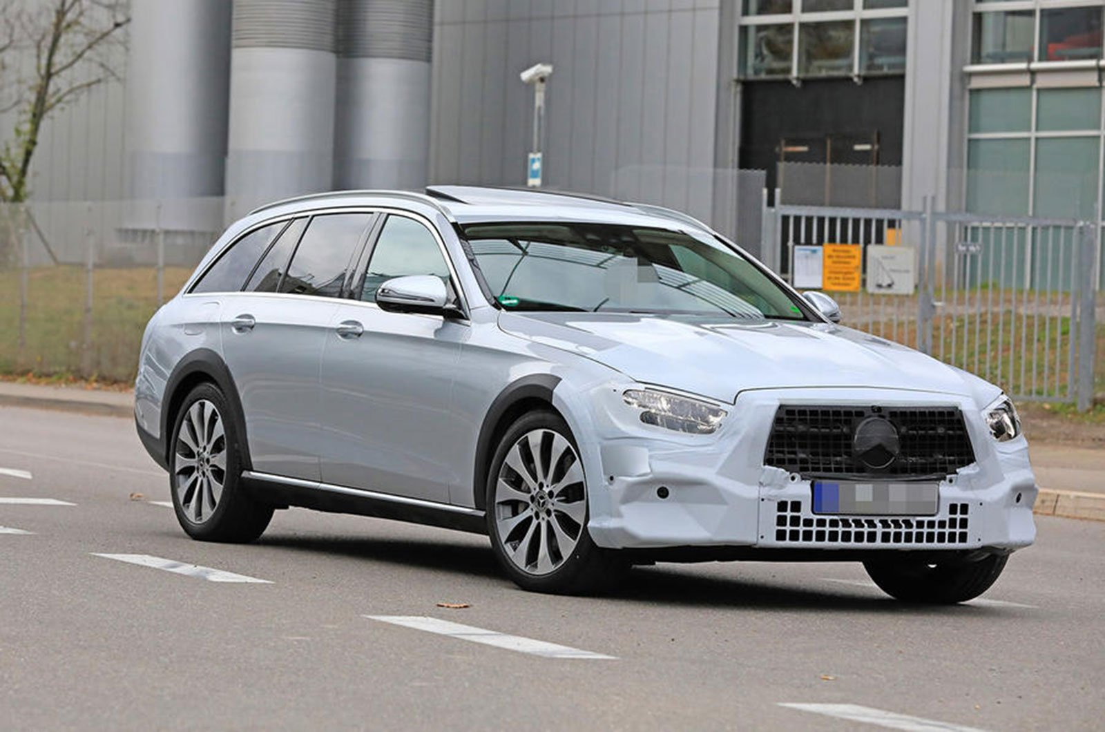 New Mercedes E-Class spyshot