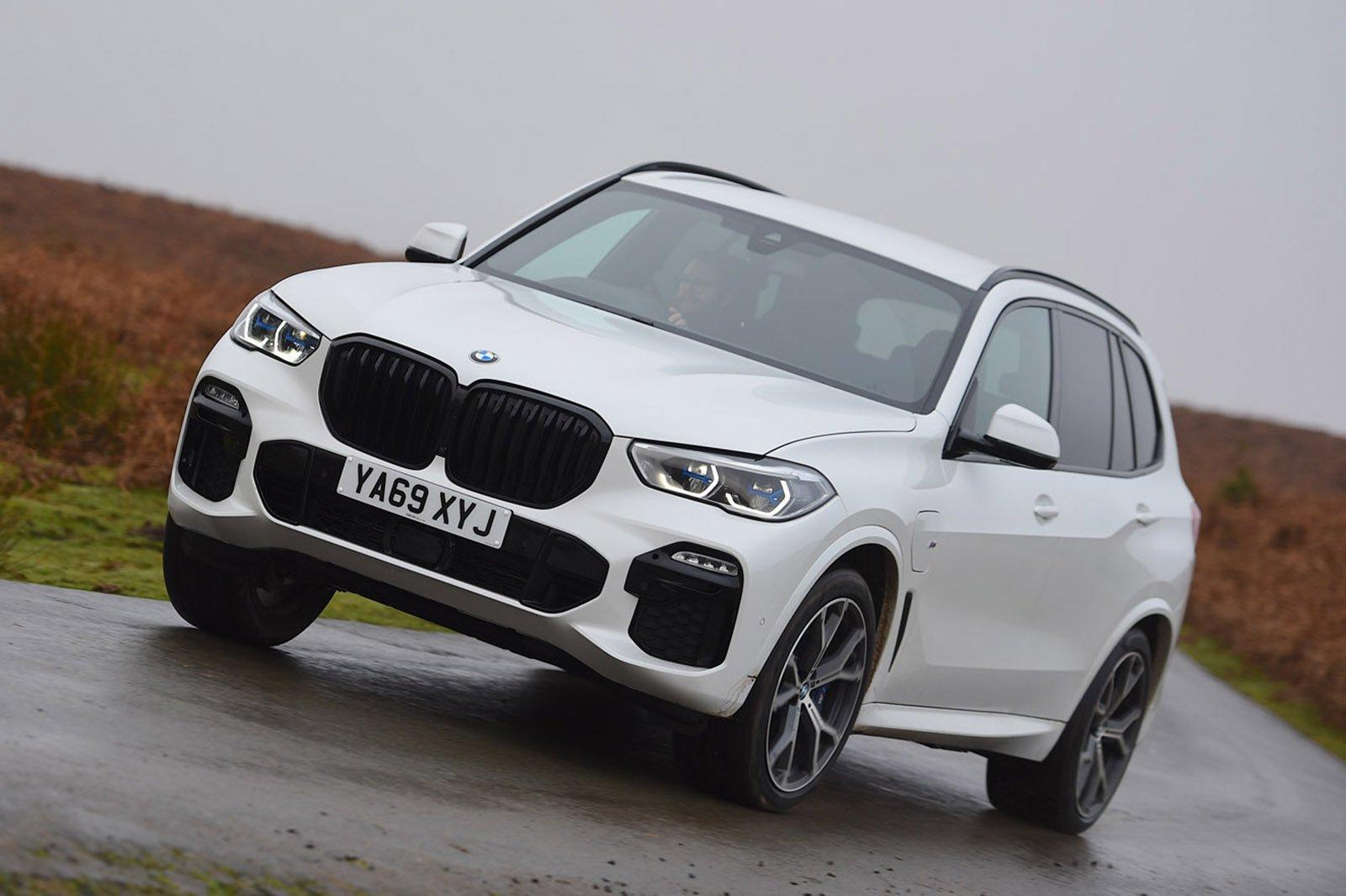 BMW X5 2020 RHD front cornering