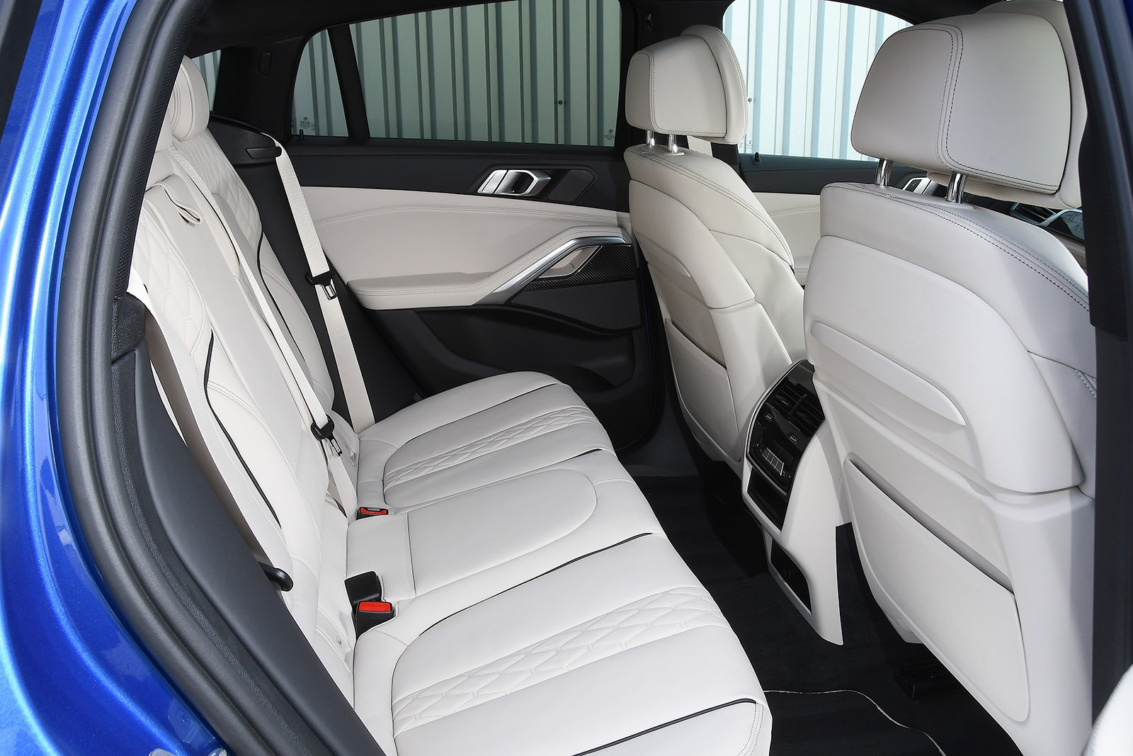 BMW X6 2021 RHD rear seats
