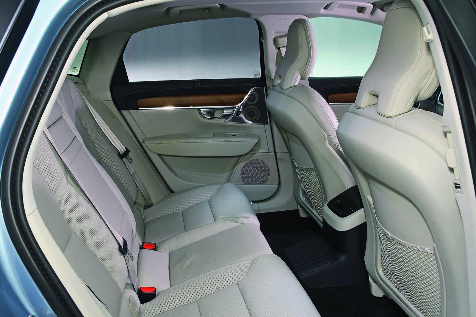 Volvo S90 2018 RHD rear seats
