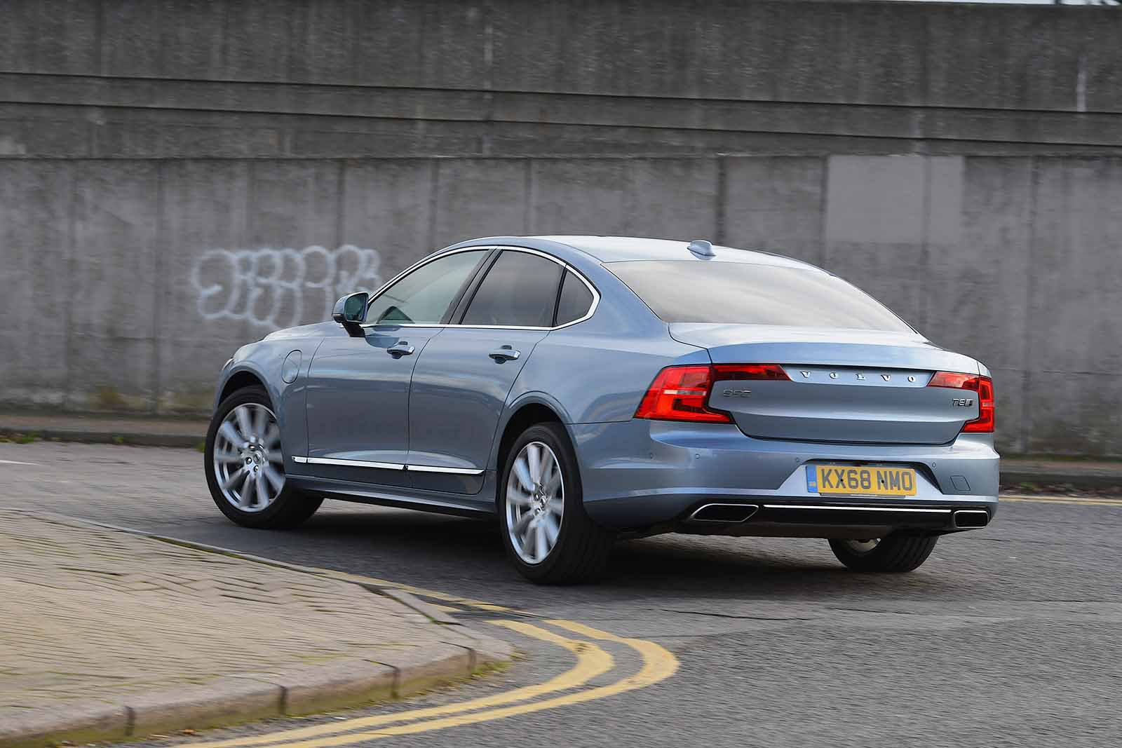 Volvo S90 2018 RHD rear left cornering