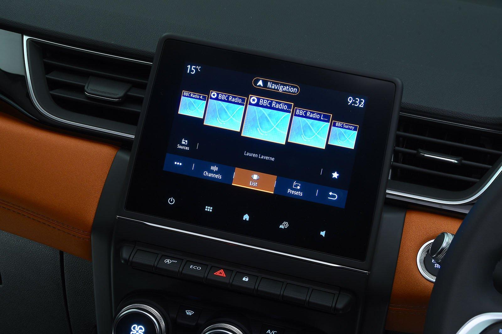 Renault Captur 2020 RHD infotainment