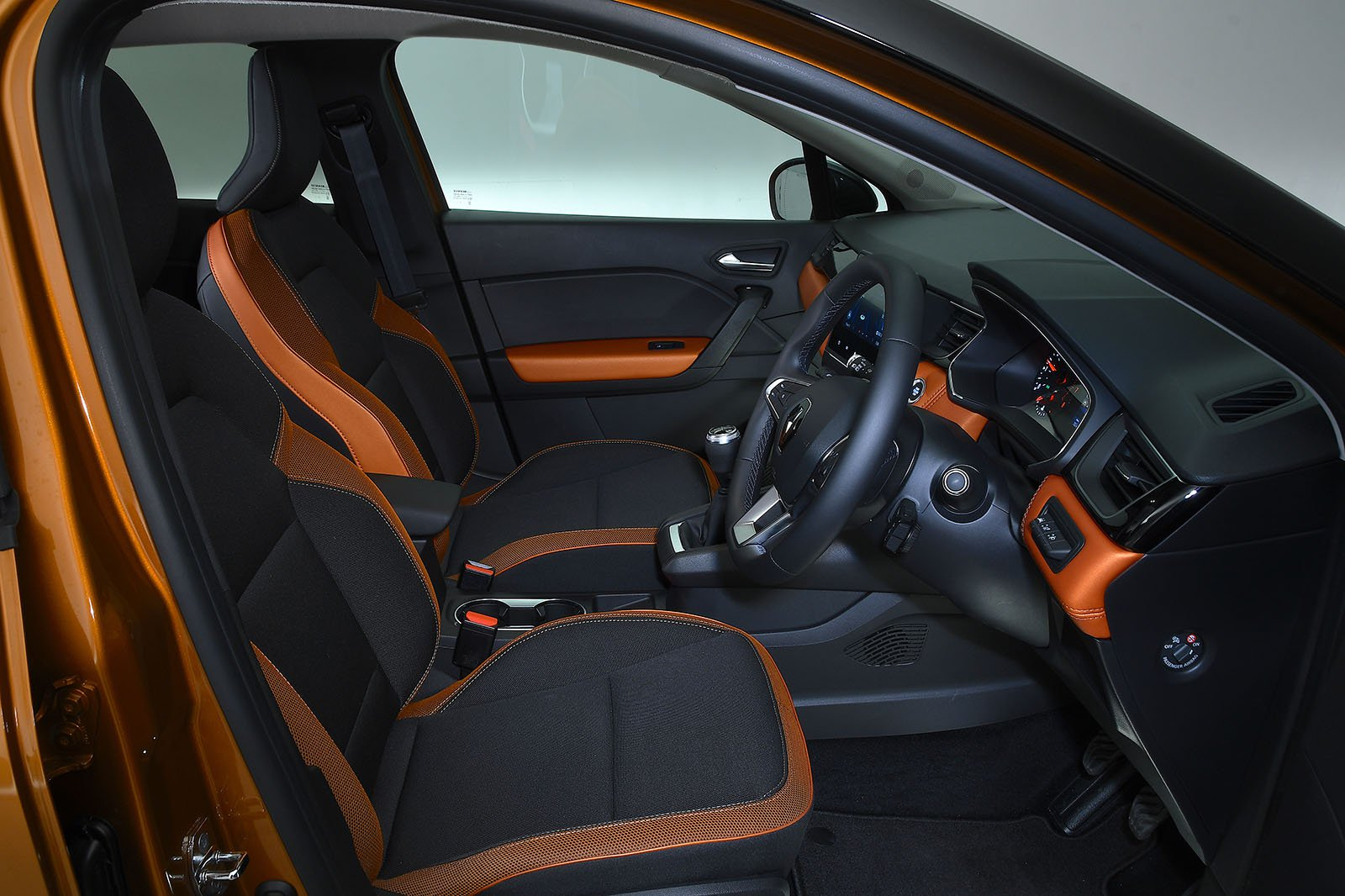 Renault Captur 2020 RHD rear seats