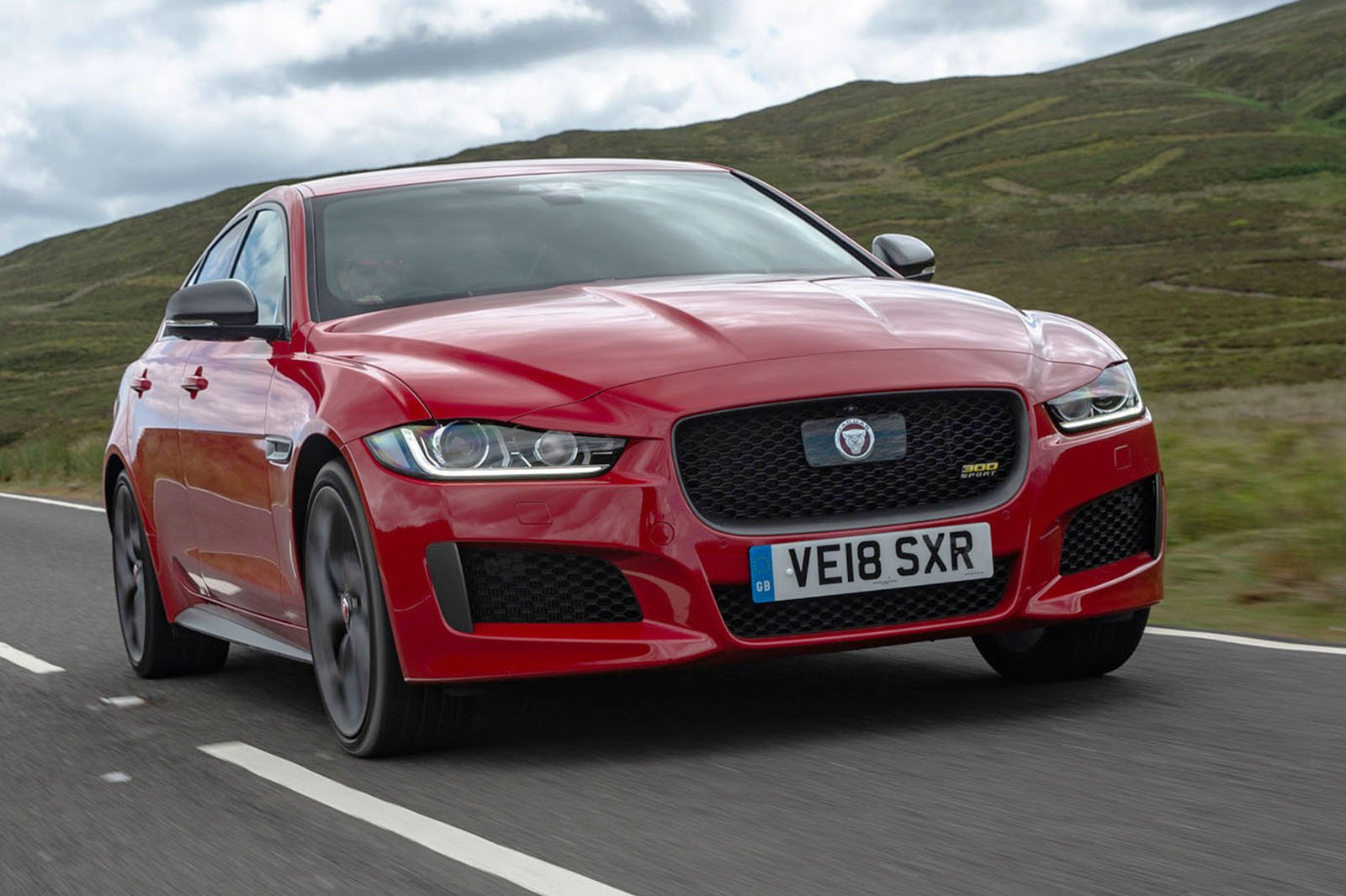 Jaguar XE diesel (2015 on) front three quarters