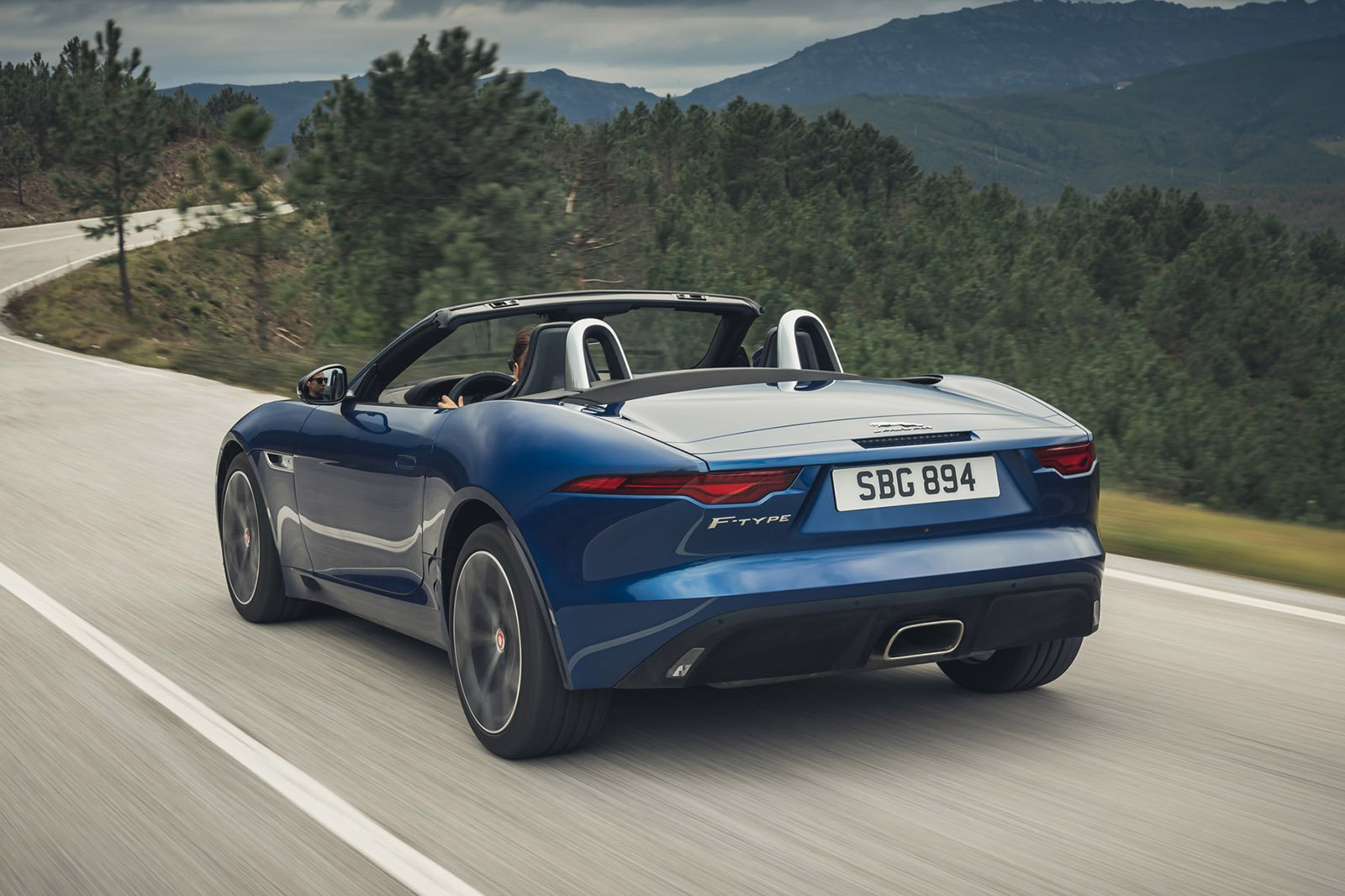 Jaguar F-Type Convertible 2020 LHD rear tracking