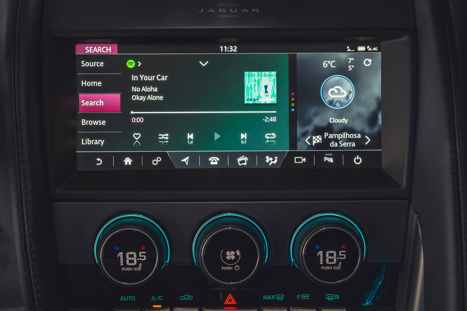 Jaguar F-Type Convertible 2020 LHD infotainment