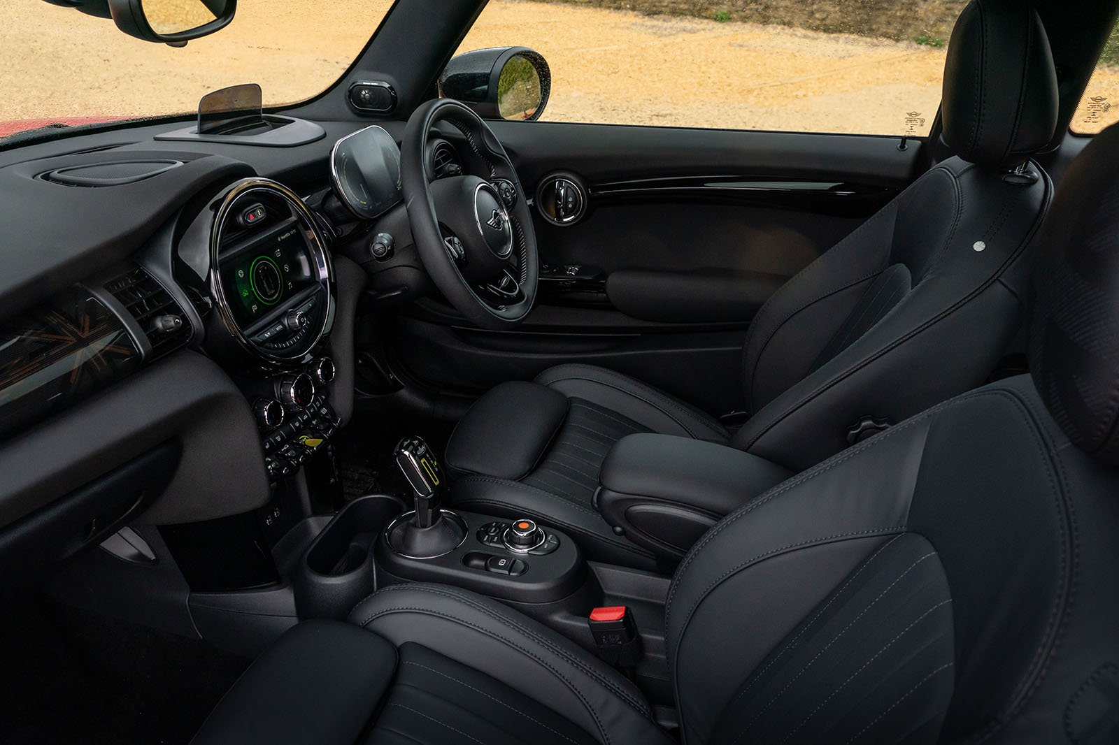 Mini Electric 2020 RHD front seats