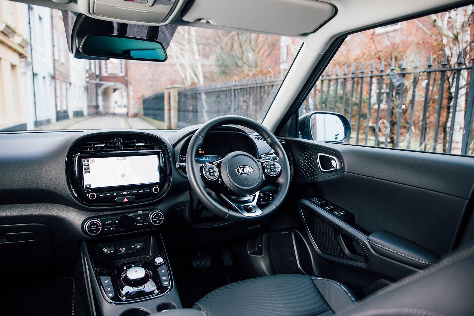 Kia Soul EV 2020 RHD front seats