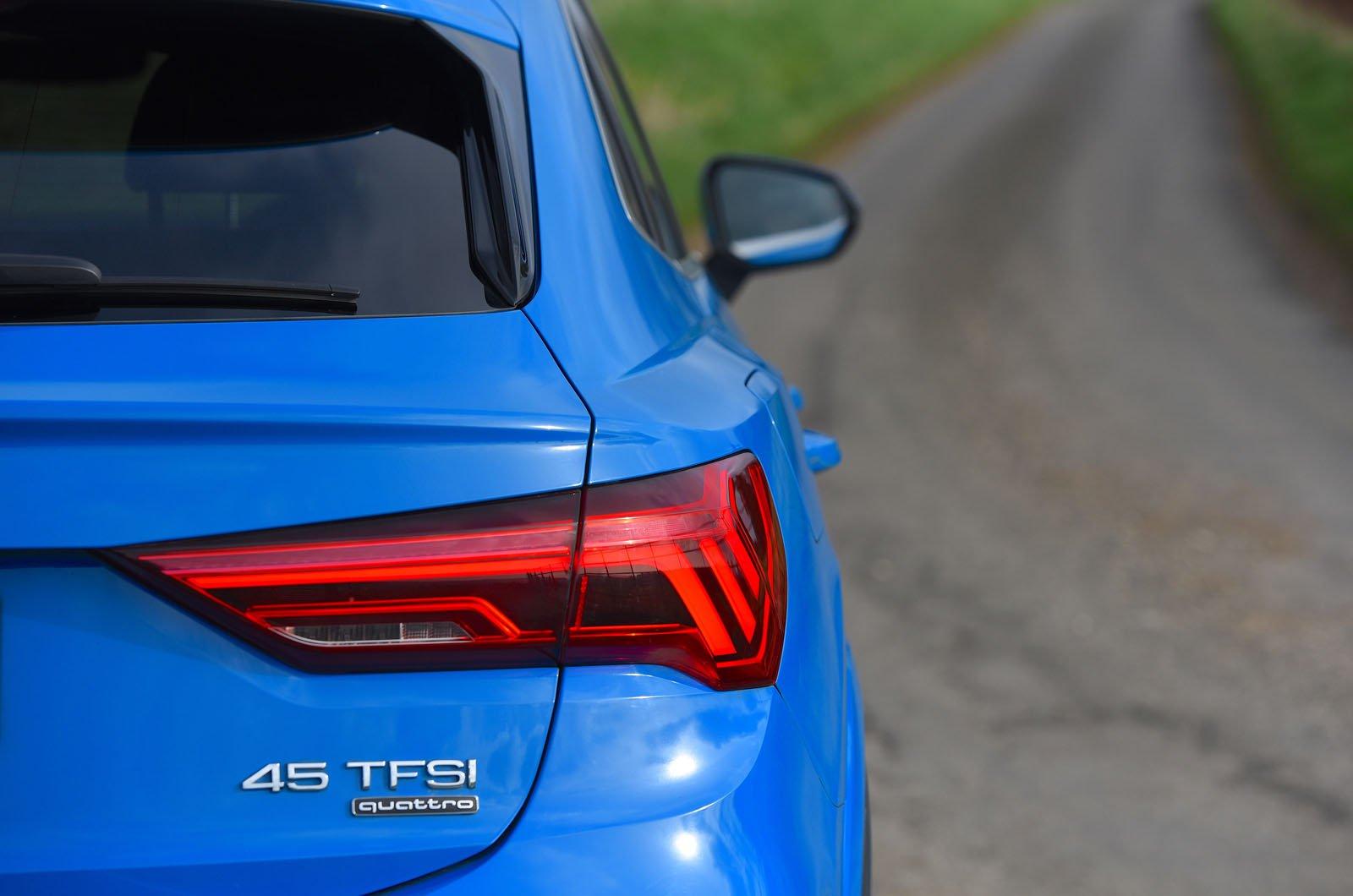 LT Audi Q3 Sportback - rear wheelarch