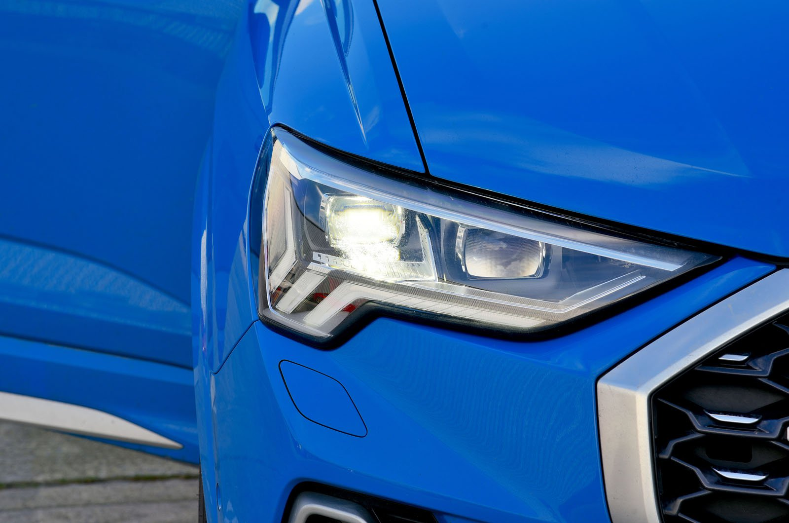 LT Audi Q3 Sportback Matrix LED headlight