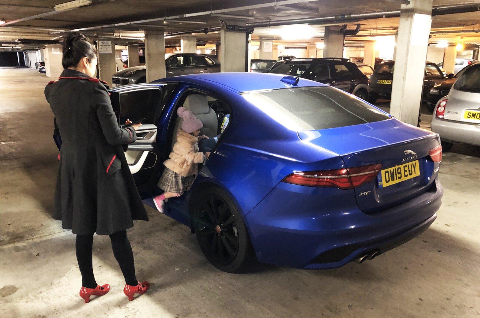 LT Jaguar XE - child climbing into rear seat