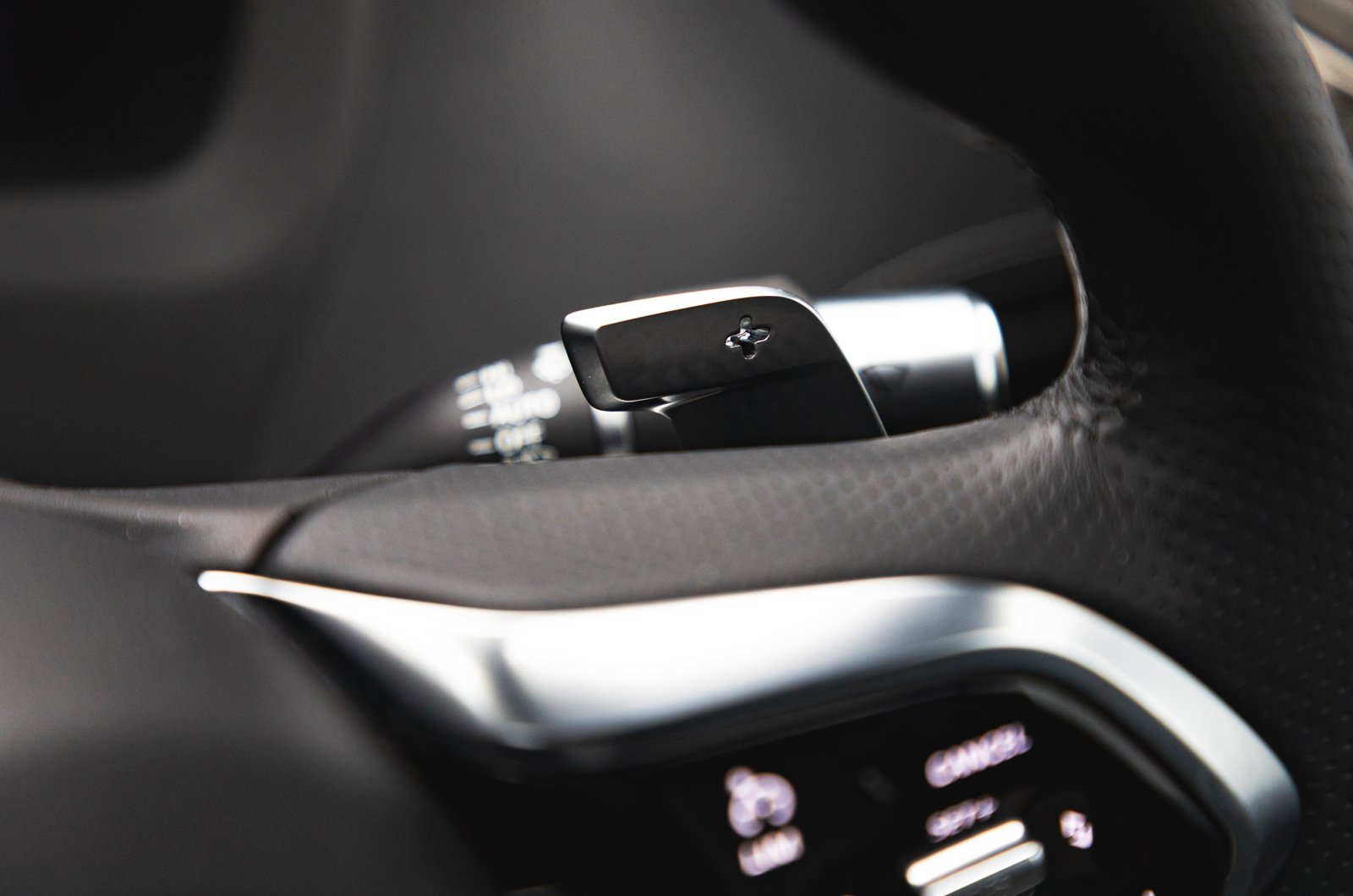 LT Jaguar XE gearshift paddle