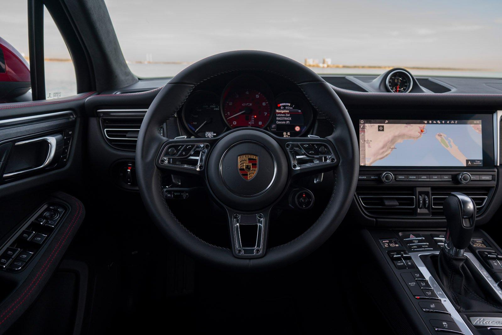 2020 Porsche Macan GTS dashboard