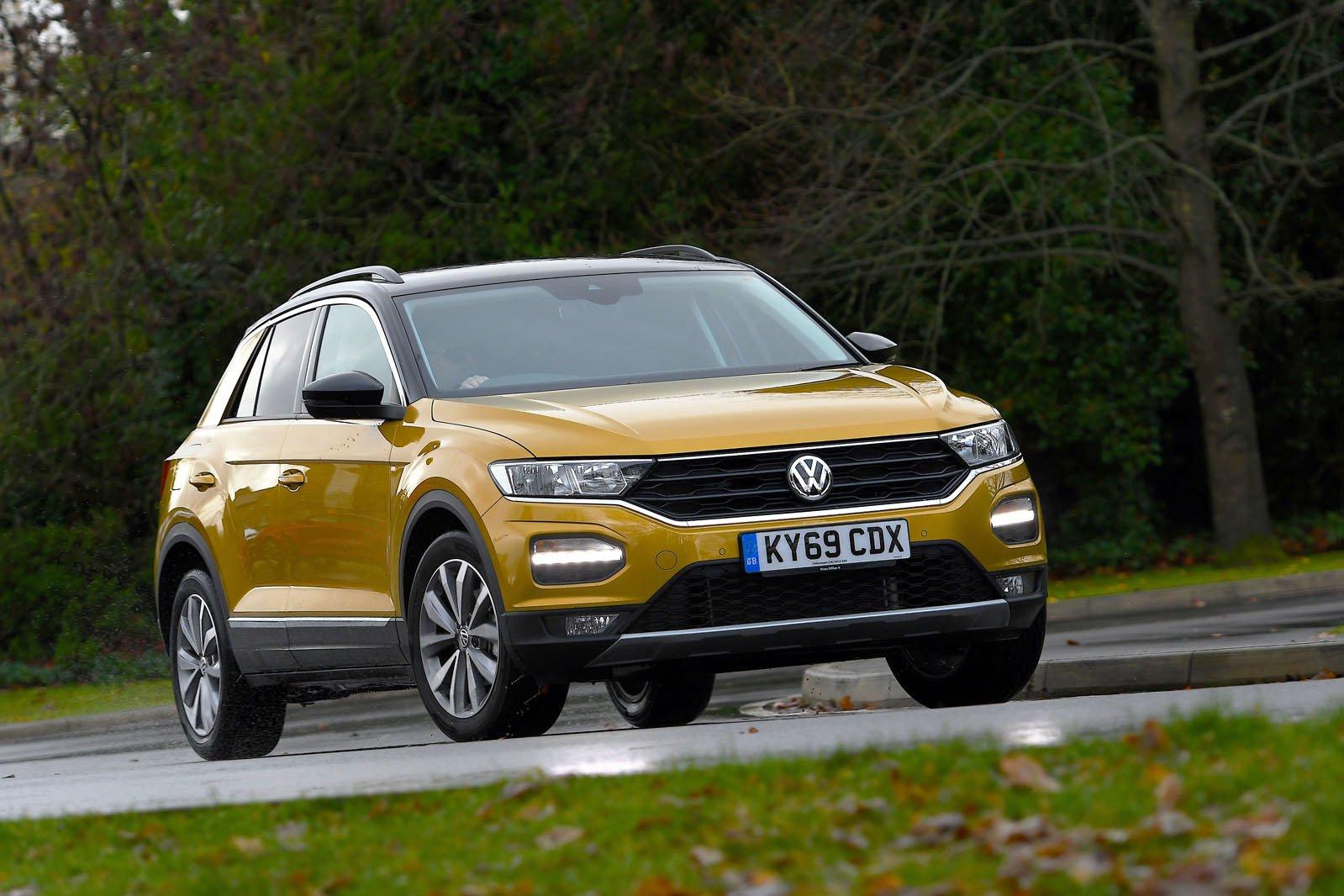 Volkswagen T-Roc driving