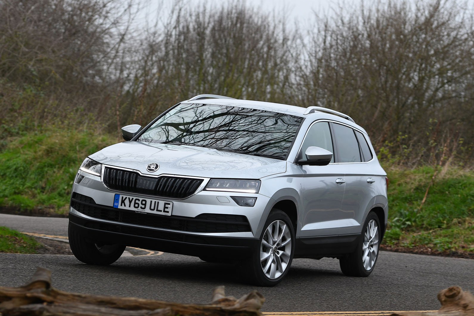 Skoda Karoq 2020 RHD front left tracking
