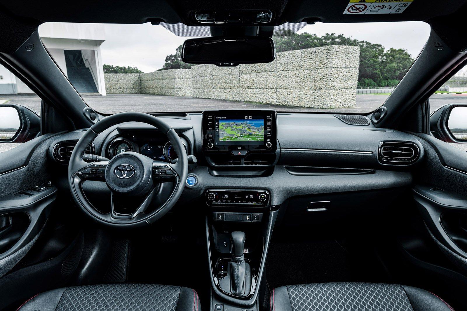 2020 Toyota Yaris dash