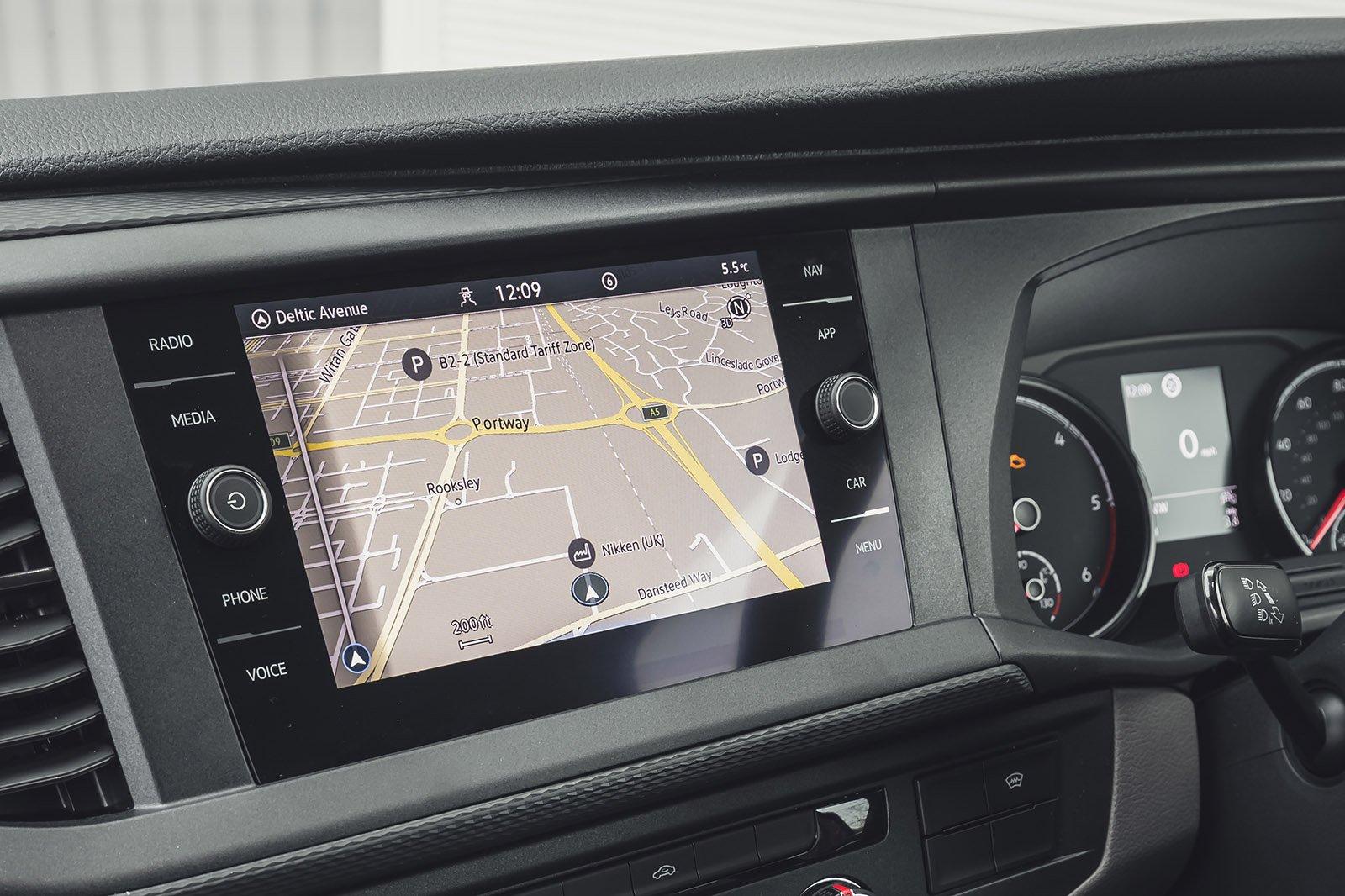 Volkswagen Transporter 6.1 2020 RHD infotainment