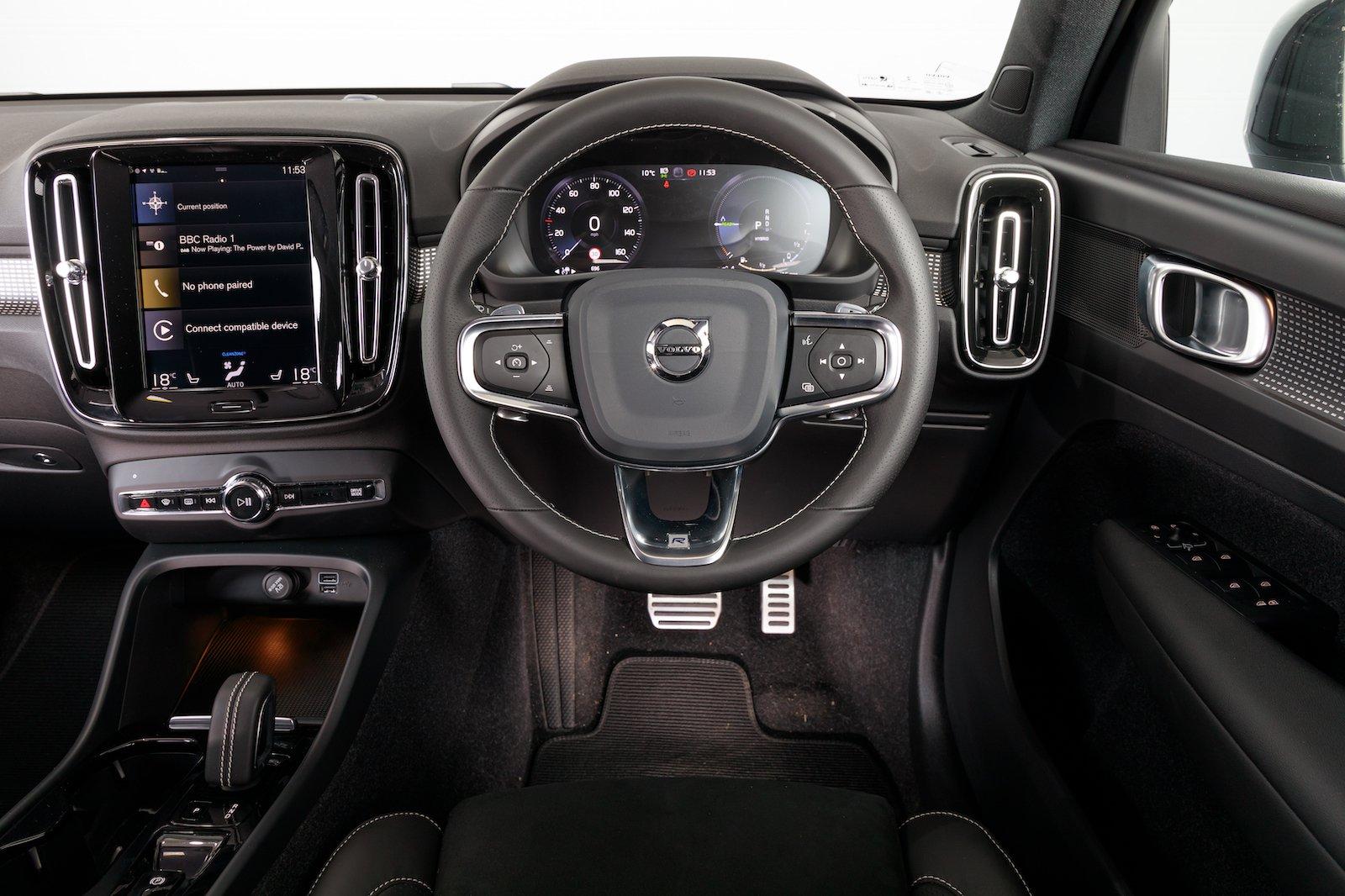 2020 Volvo XC40 Recharge T5 Plug-In-Hybrid dash