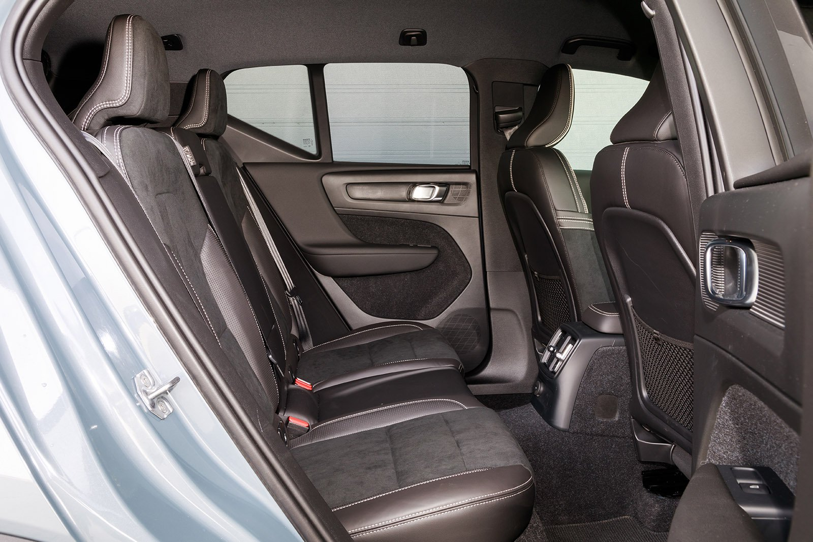 Volvo XC40 2020 RHD rear seats