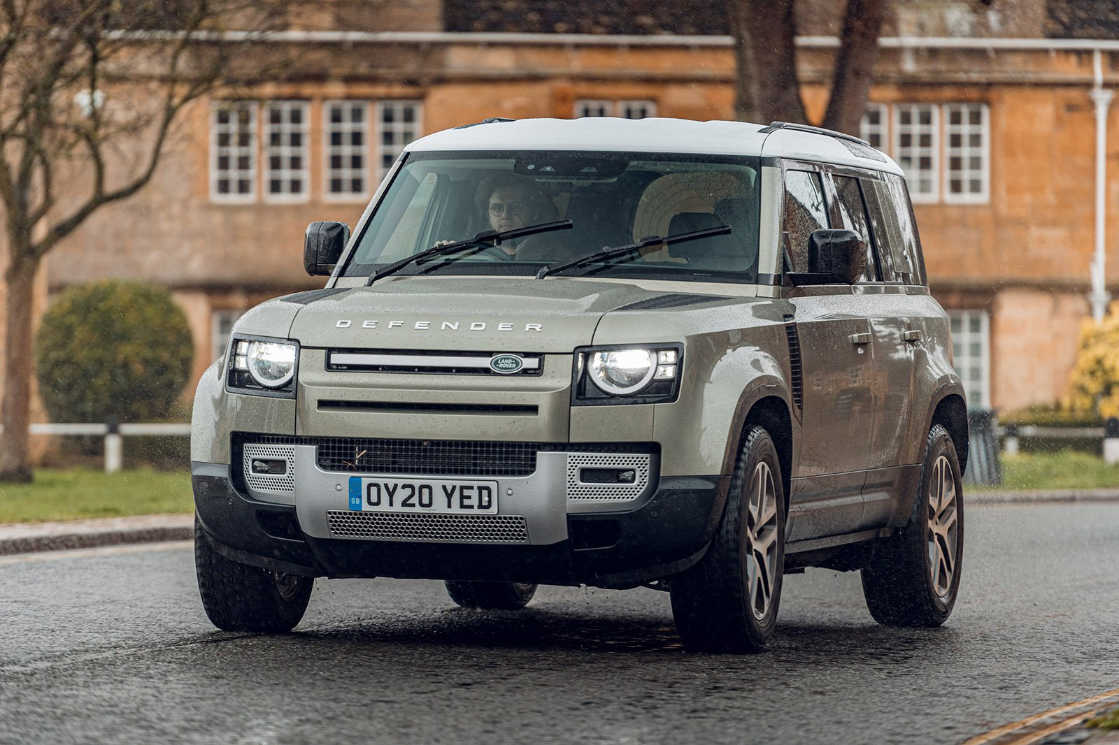 Land Rover Defender 2020 RHD front urban tracking