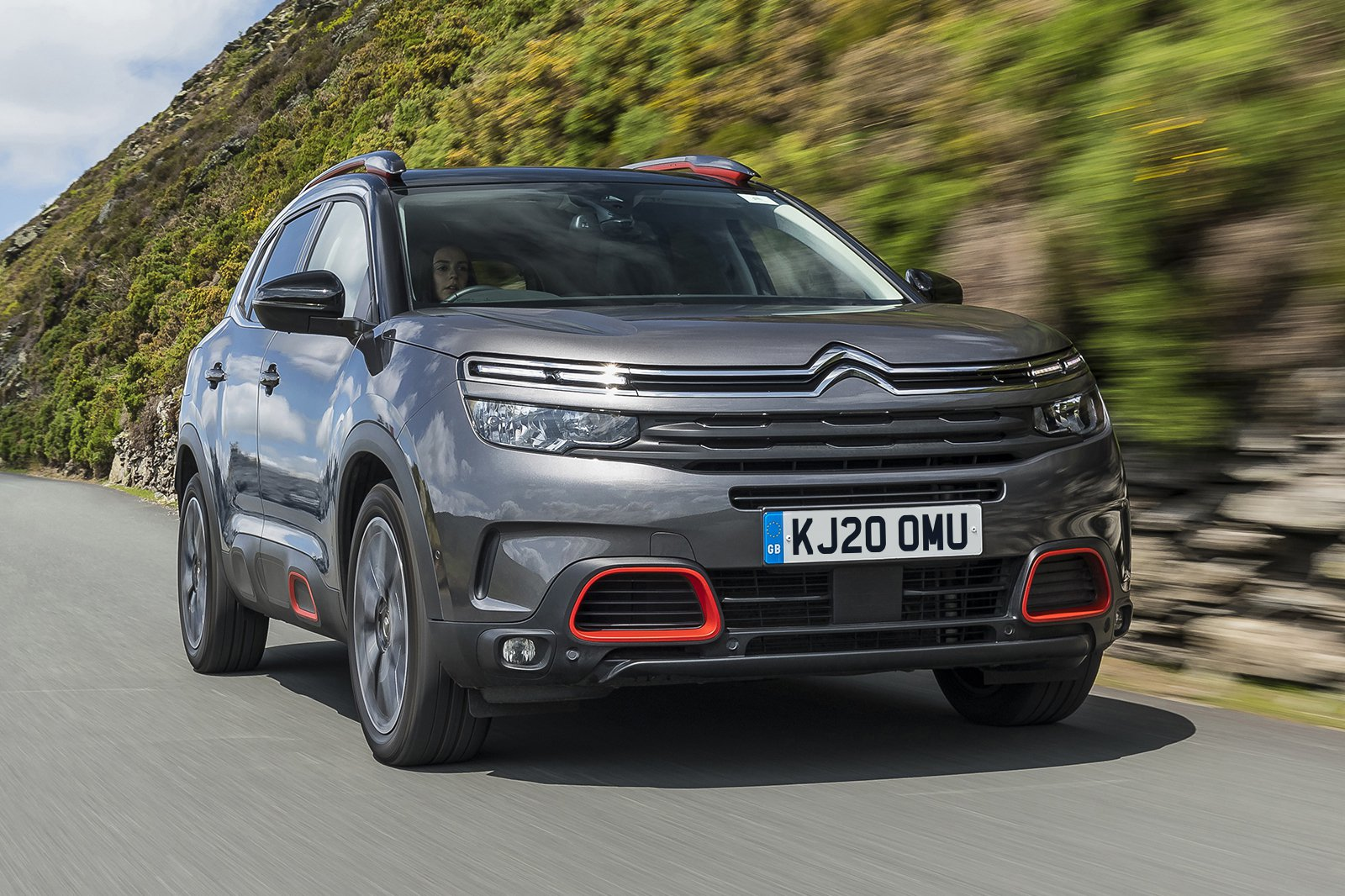 2020 Citroen C5 Aircross driving front