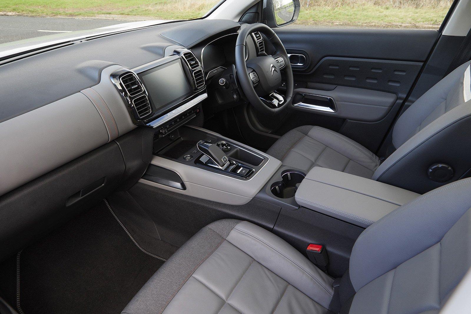 2020 Citroen C5 Aircross front seats