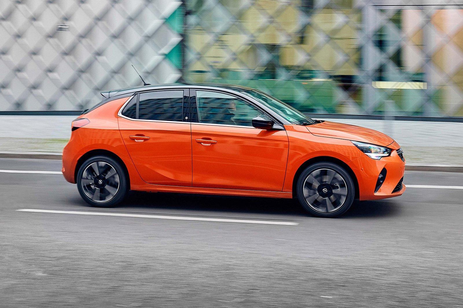 Vauxhall Corsa-e 2020 LHD right panning
