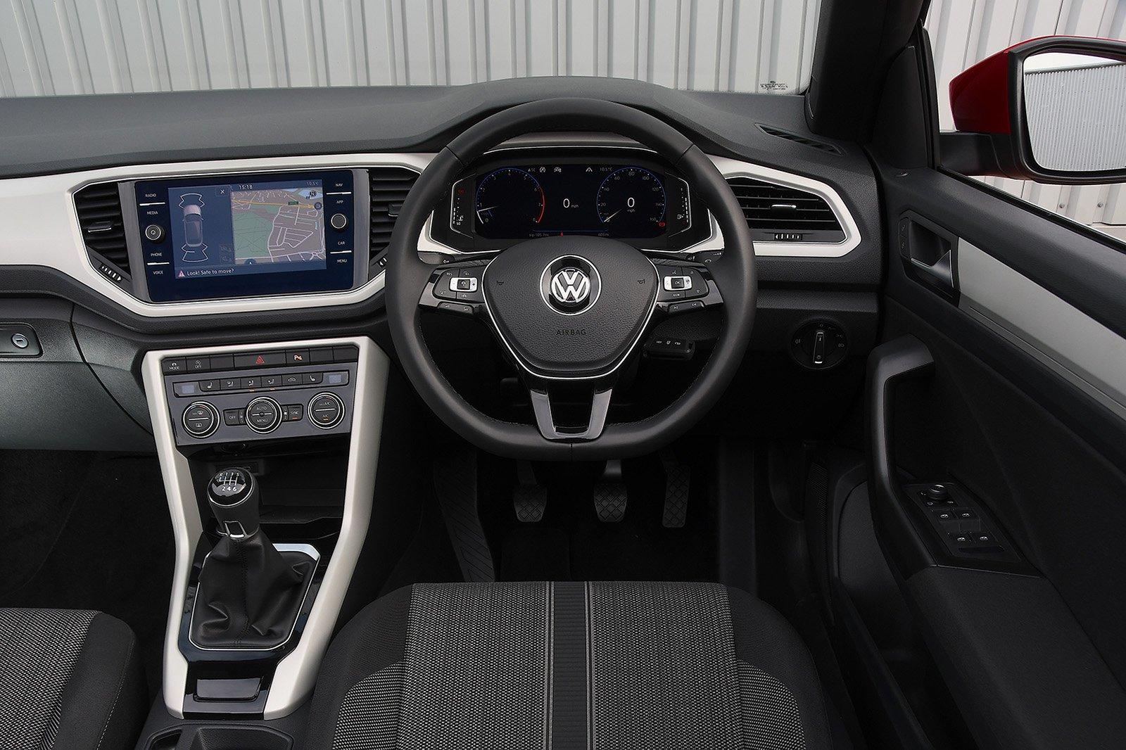 2020 Volkswagen T-Roc Cabriolet 1.5 TSI Design interior