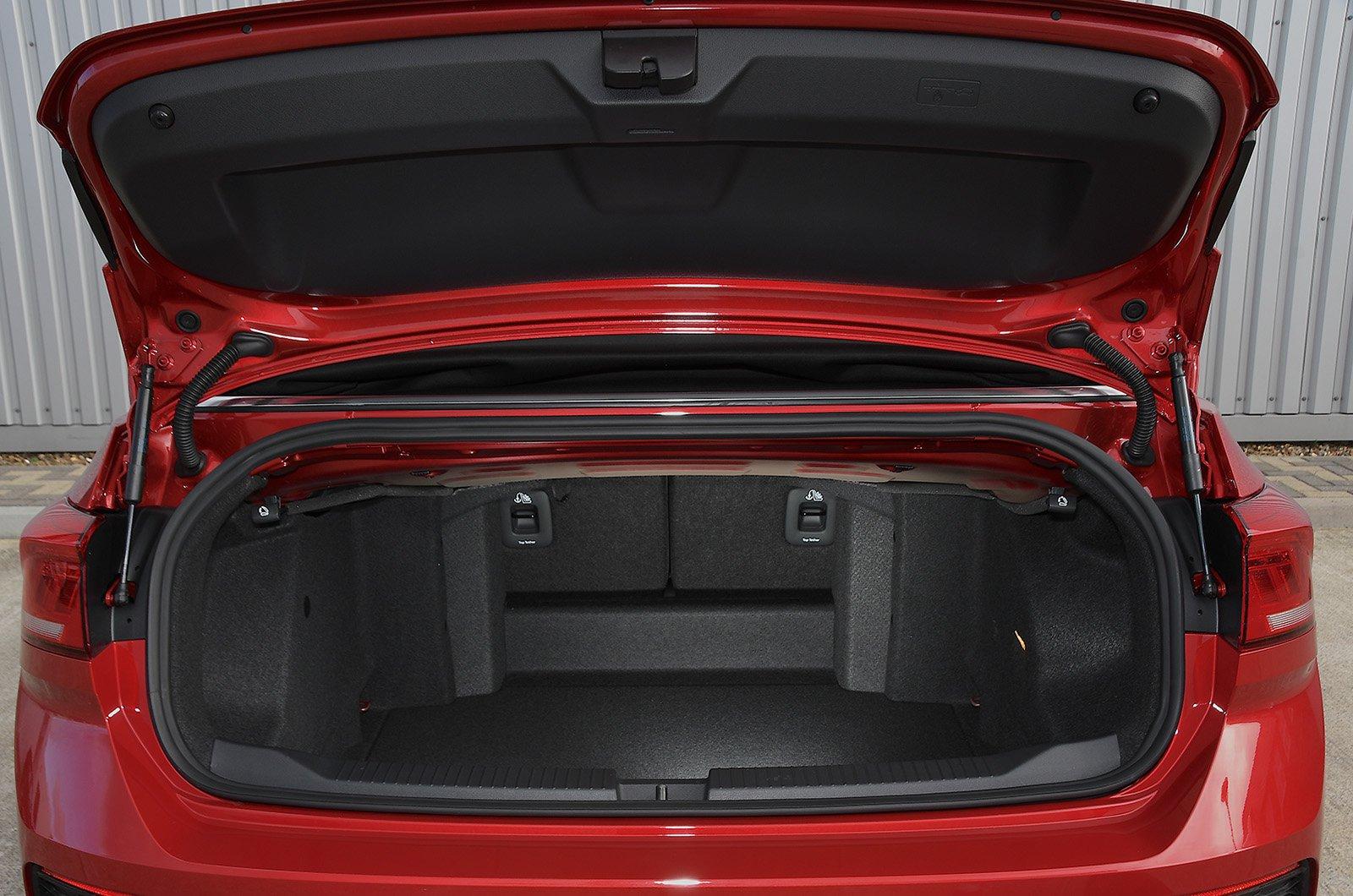 2020 Volkswagen T-Roc Cabriolet 1.5 TSI Design boot