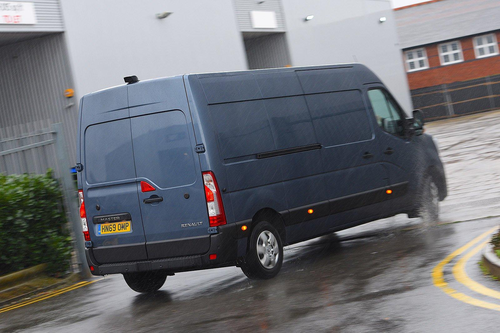 Renault Master 2020 RHD rear tracking