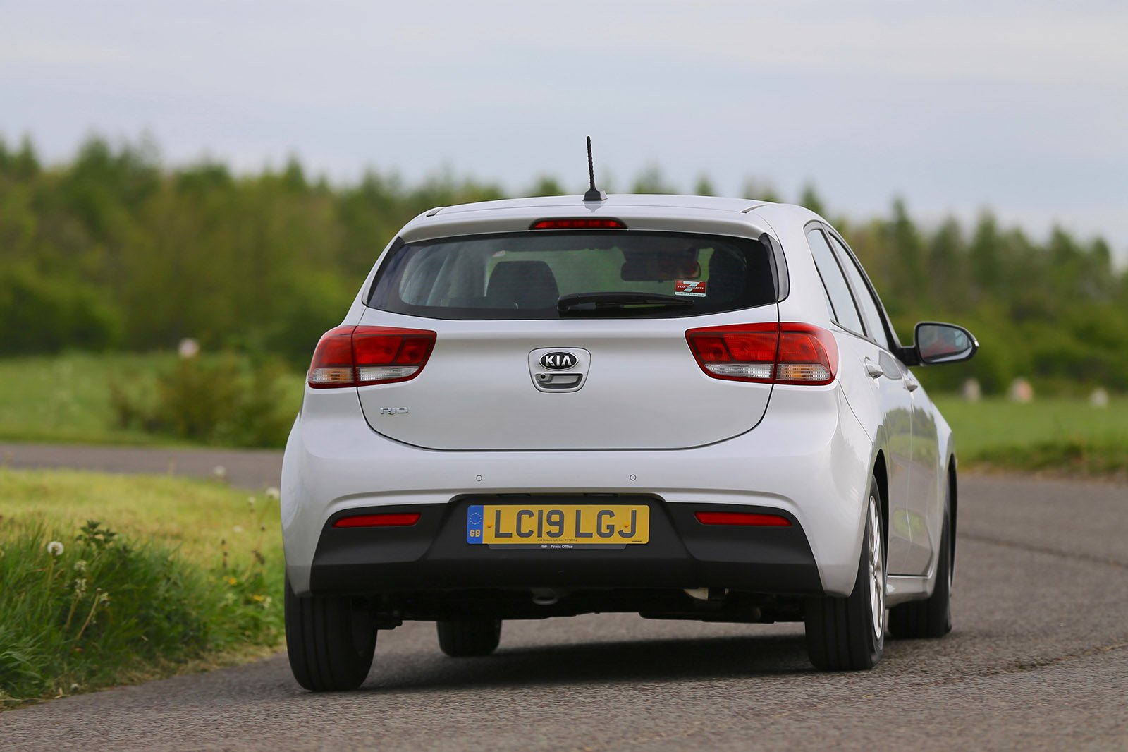 Kia Rio 2020 RHD rear tracking