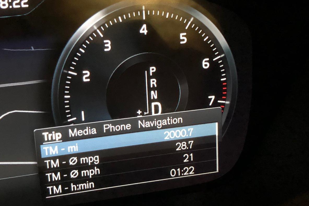 Volvo S60 fuel economy readout