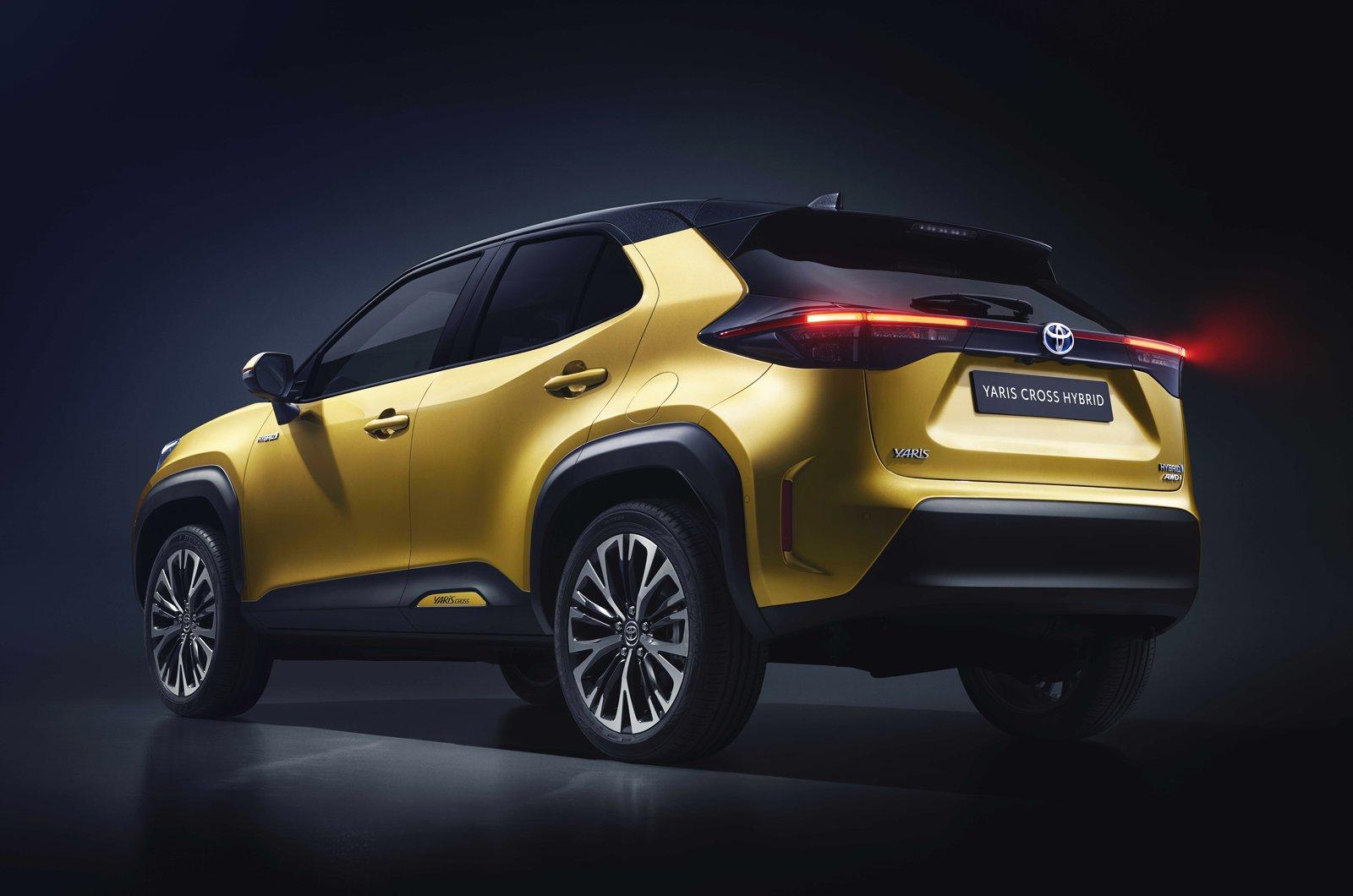 2021 Toyota Yaris Cross rear studio