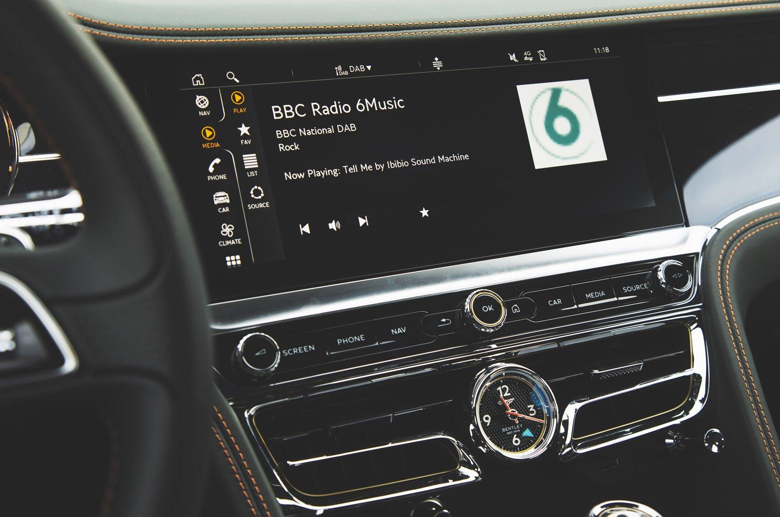 2020 Bentley Flying Spur touchscreen